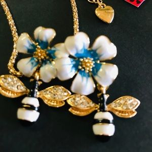 BETSEY JOHNSON~ Swinging BEEs Necklace